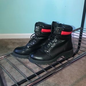 Black boots size 7.5